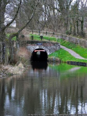 Ashford tunnel south portal cc-by-sa/2.0 - © John Winder - geograph.org.uk/p/6329666