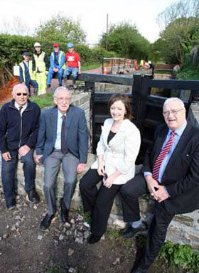(Left to Right) Richard Dommett, Regeneration Manager at the Monmouthshire, Brecon & Abergavenny Canal Trust (MBACT), Bernard Illman, Chair of MBACT, Dr Manon Williams, Chair of HLF in Wales, Councillor Bob Wellington, leader of Torfaen County Borough Council