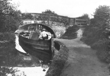 Working Boat at Crindau Malpas 1915